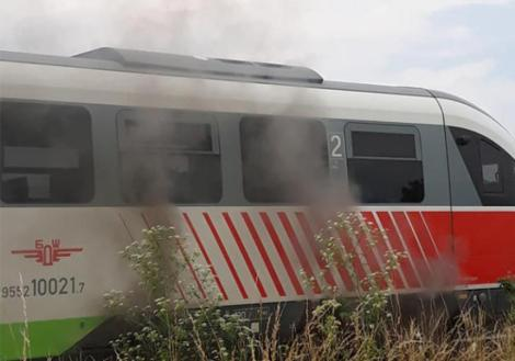 thumb_890x0_train
